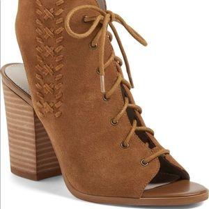 Hinge lace-up sandals
